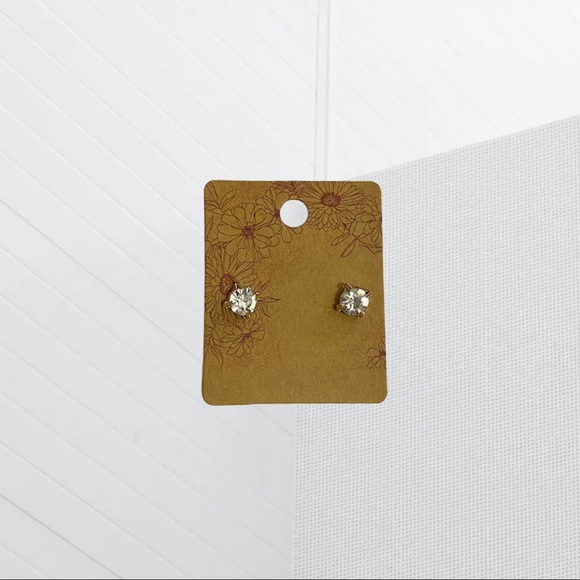 4/$20⚡️ CUBIC ZIRCONIA STUD EARRINGS